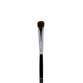 Crown Studio Series - Medium Chisel Fluff Brush (C152)